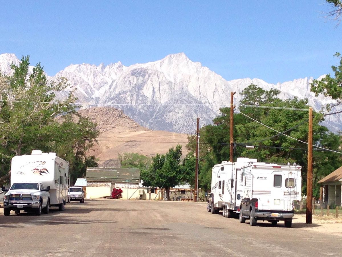 The streets of Lone Pine were lined with RVs.  They seemed to all be in the Alabama Hills Cafe!
