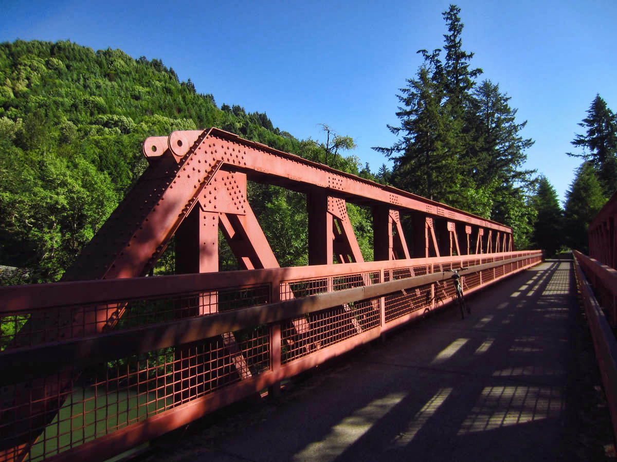 Paved bike path follows old Oregon railway