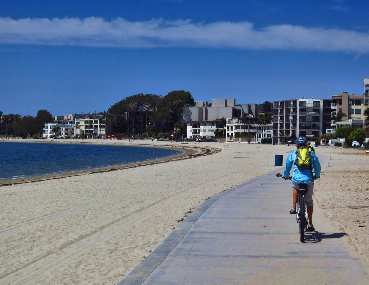 The loop around Mission Bay has some gaps, admittedly, but overall the views can't be beat!