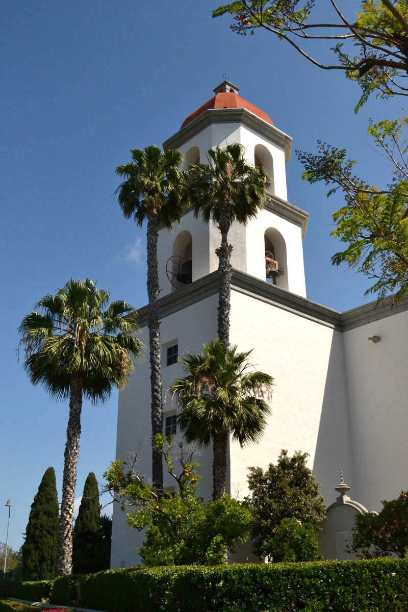 New Mission San Juan Basilica, created in 1986 in the image of the Great Stone Church.