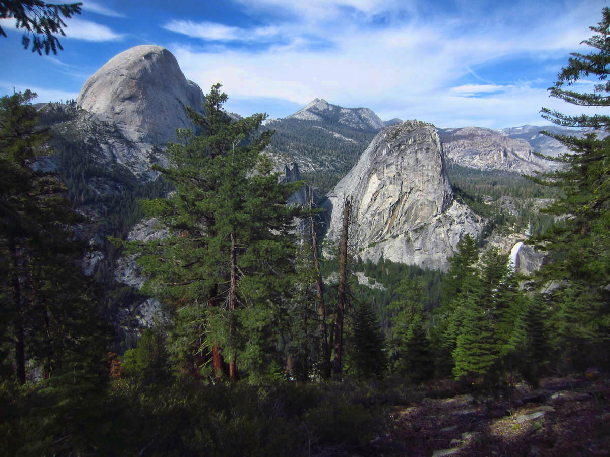 It's possible to hike this Panorama Trai one way down as a day hike if you buy a ticket on the bus to Glacier Point.