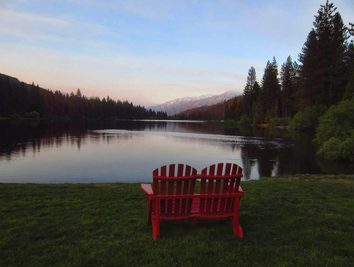 Beautiful Hume Lake, very serene (except for the Christian kids camp at one end.)