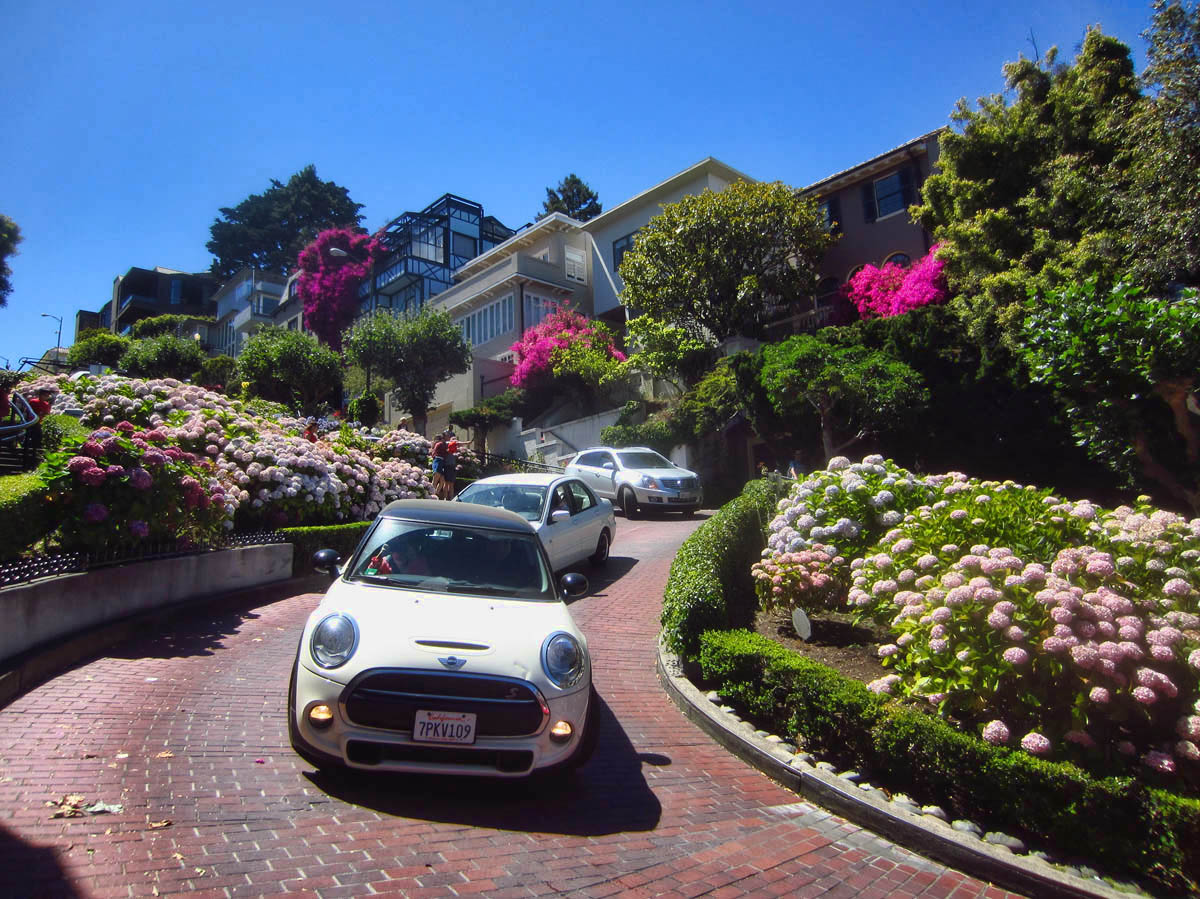 "Lombard Street, the ""crookedist"" street in the world."