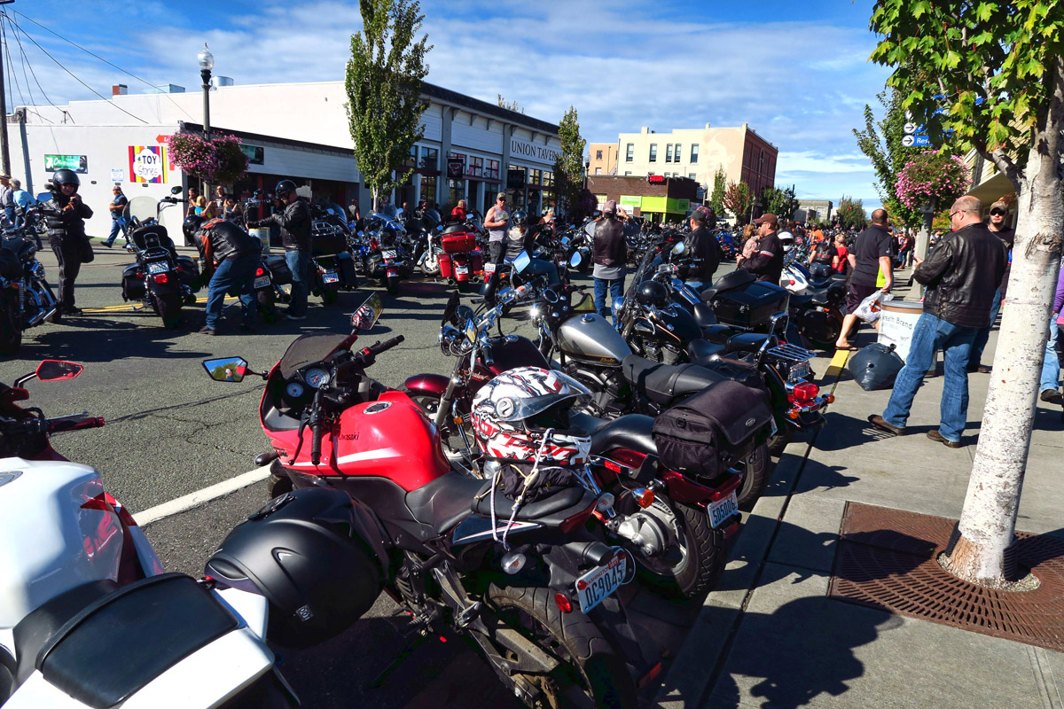 "Arriving in Anacortes to find much to our surprise, it's ""Oyster Run"" weekend, with between an estimated 10,000+ motorcycles in town!"