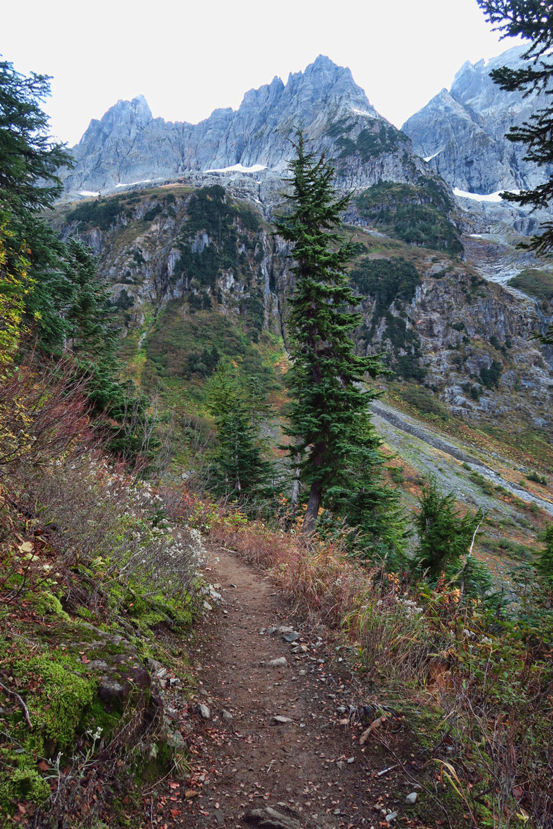 Cascades Pass Trail