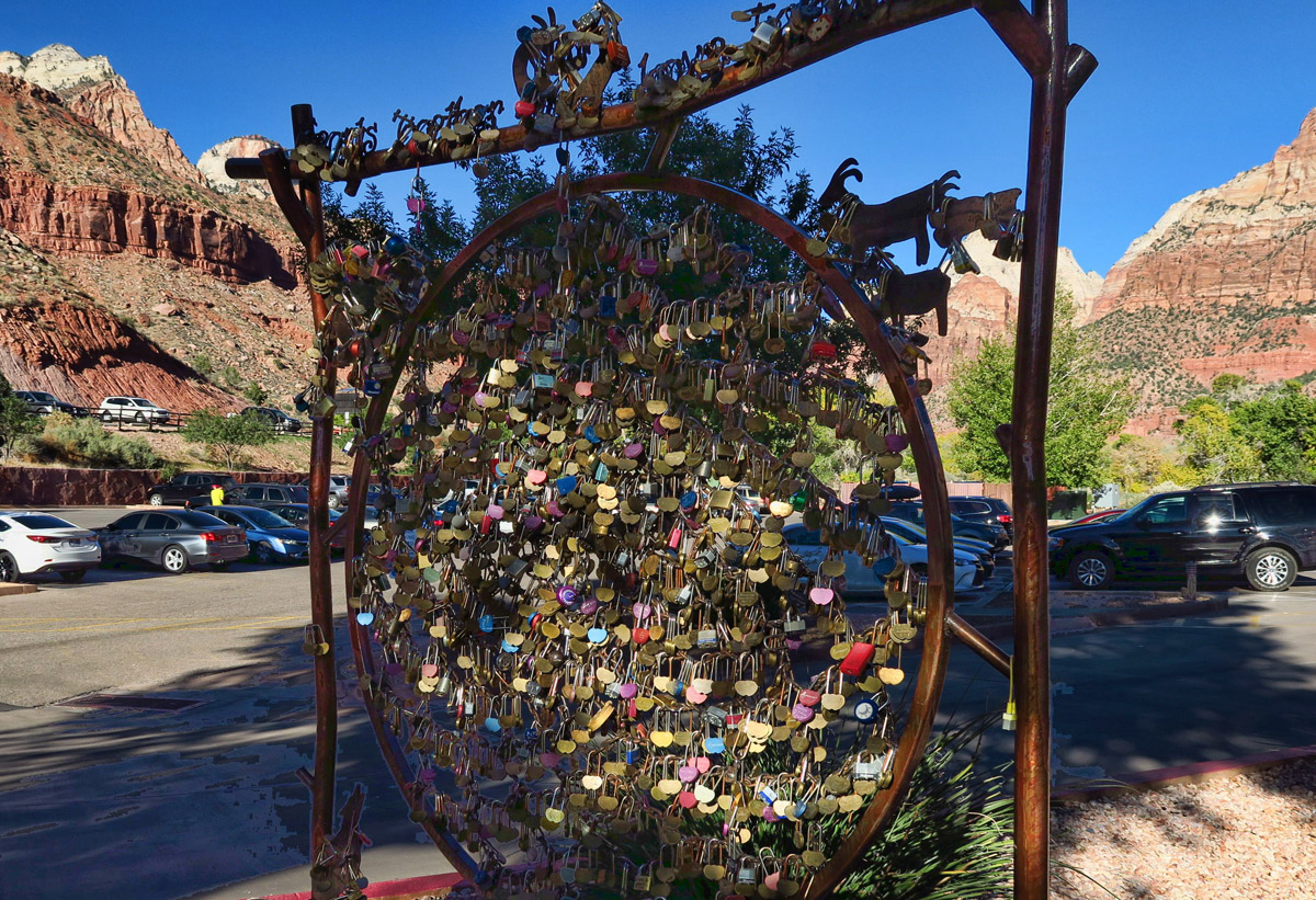 """Apparently I am """"alone"""" in my desire to be alone. Check out this """"Love Locks Dream Catcher"""" just outside of Zion's gate."""