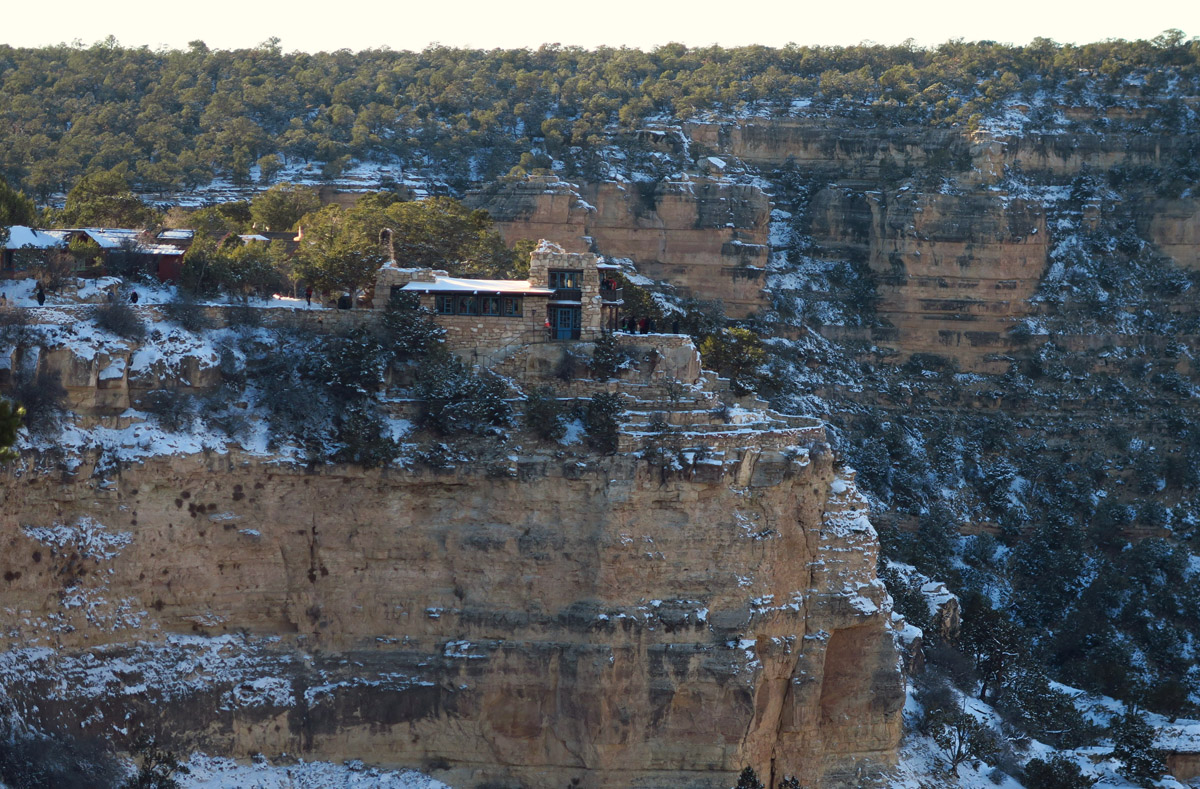 Lookout Studio, another historic building on the rim built in 1914. Architect was Mary Colter whose signature style was organic, using stone to blend into the rim. Hard to tell where studio ends and cliff walls begin.