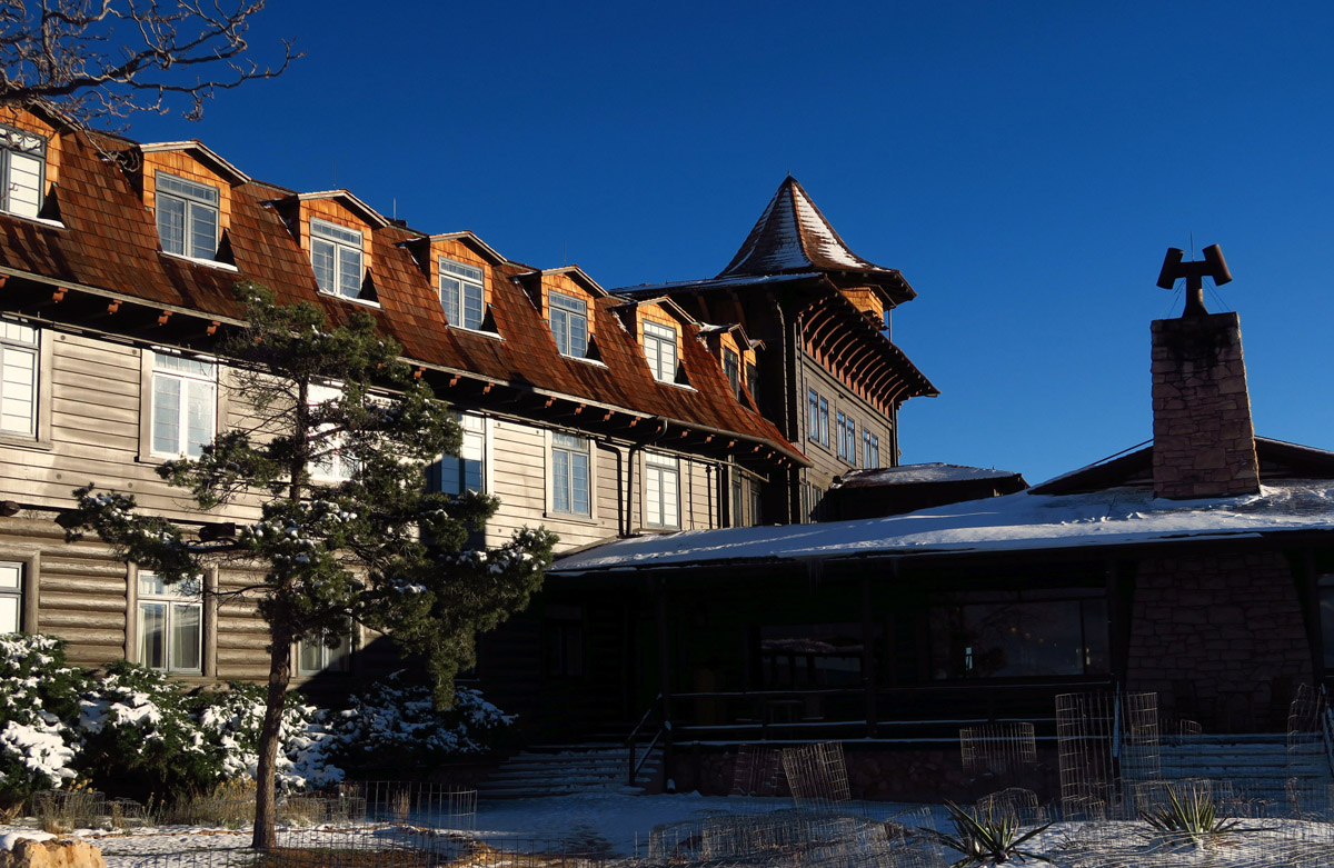 A closer look at the historic El Tovar Lodge.