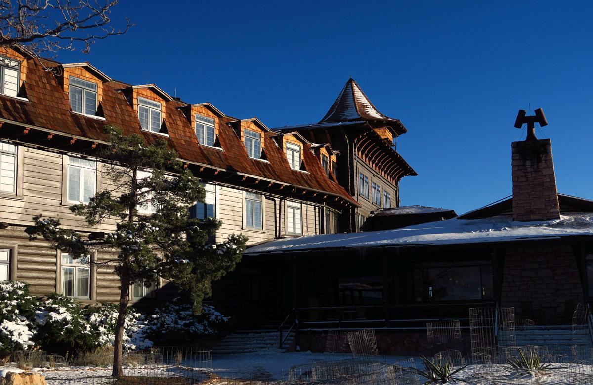 A closer look at the historic El Tovar Lodge.