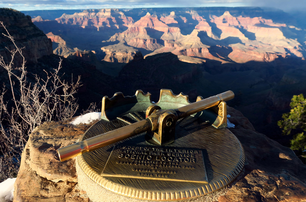 I love this landmark locator. Line it up with the notches to see certain landmarks in the canyon.