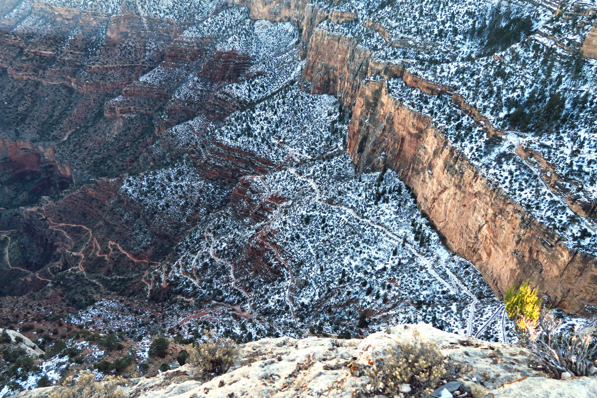 I return to the scene where a stop along Hermit's Rest road overlooks the Bright Angel Trail. Looking at the switchbacks (far right lower corner) of yesterdays hike makes my feet AND my stomach ache!