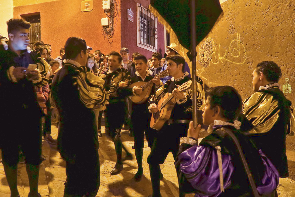 A highlight of a visit to Guanajuato is the group of student musicians, callejoneadas, who stroll the streets singing and playing instruments.