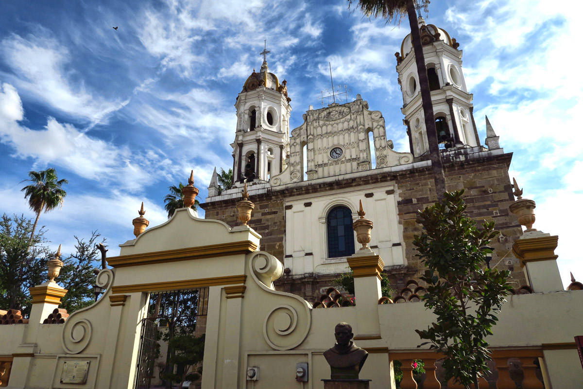 The construction of Santuario de Nuestra Señora de la Soledad on the west side of Jardín Hidalgo began in 1742 and was completed in 1812.