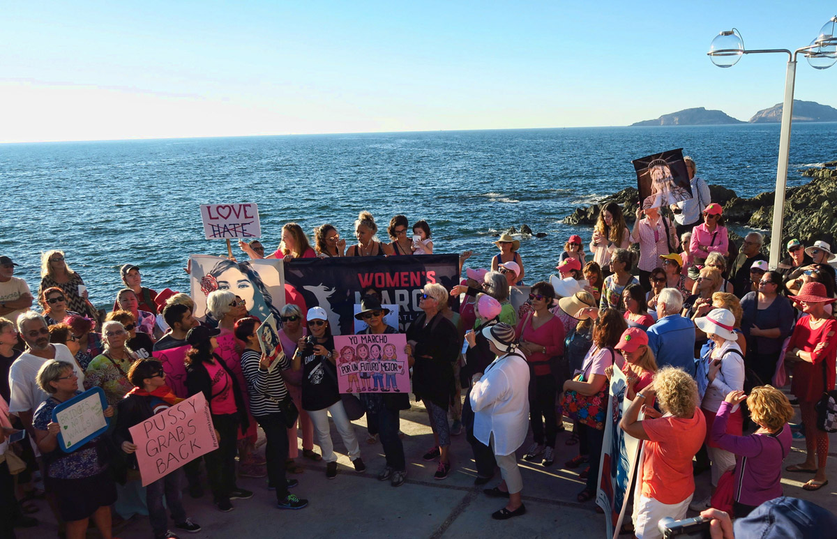 Mazatlan's Woman's March attendance was estimated to be between 300 and 500 participants.
