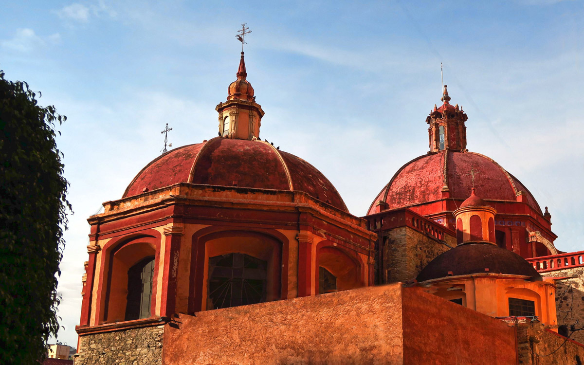 But with over 20 churches in Guanajuato, they can start to look alike...