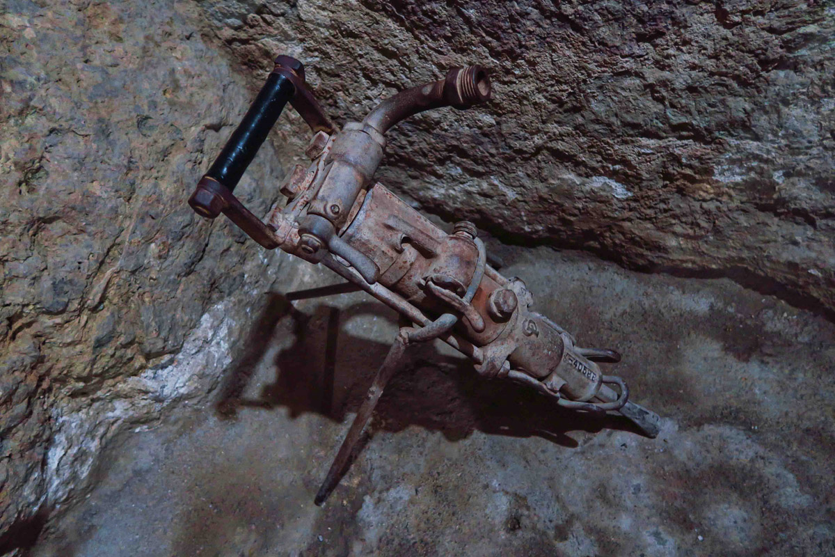This instrument was used to blast water onto the heated rock, thereby causing it to explode, exposing the vein of metal.