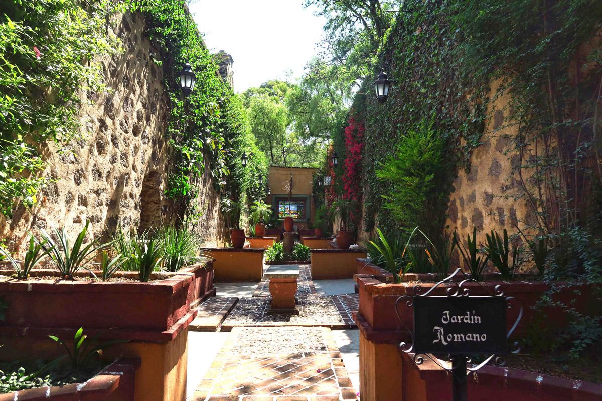 The Ex-hacienda has 17 different gardens, this one the Roman Garden.