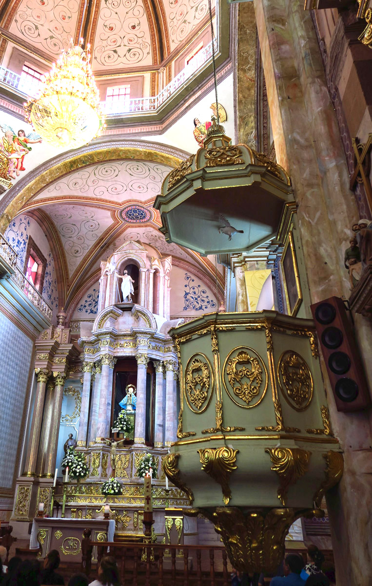 "This pulpit makes me think of a Faberge Egg."" width=""400"" height=""600"" /> This pulpit makes me think of a Faberge Egg"