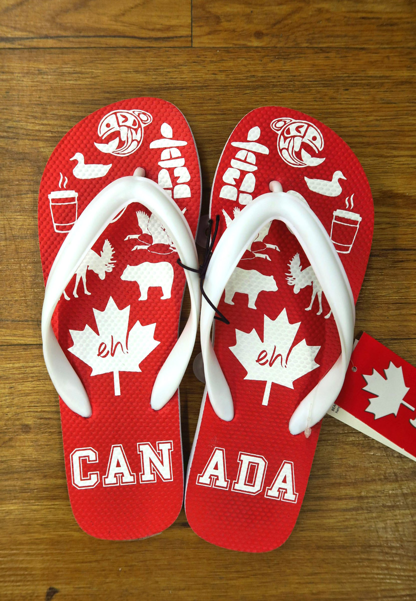 No question with these shoes which is the left vs right, as long as you know how to spell Canada. ;-)
