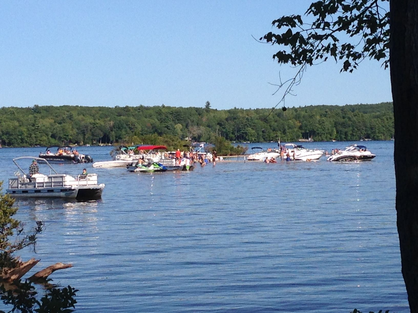 Partiers out on the sand bar. No wonder the loons are alarmed!