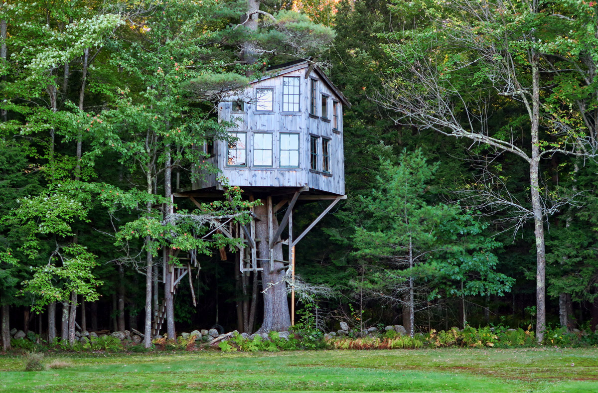 "My friend John Wells directed me to this beautiful treehouse, built on his former property. The house was featured as an ""Extreme Treehouse"" in Popular Mechanics."