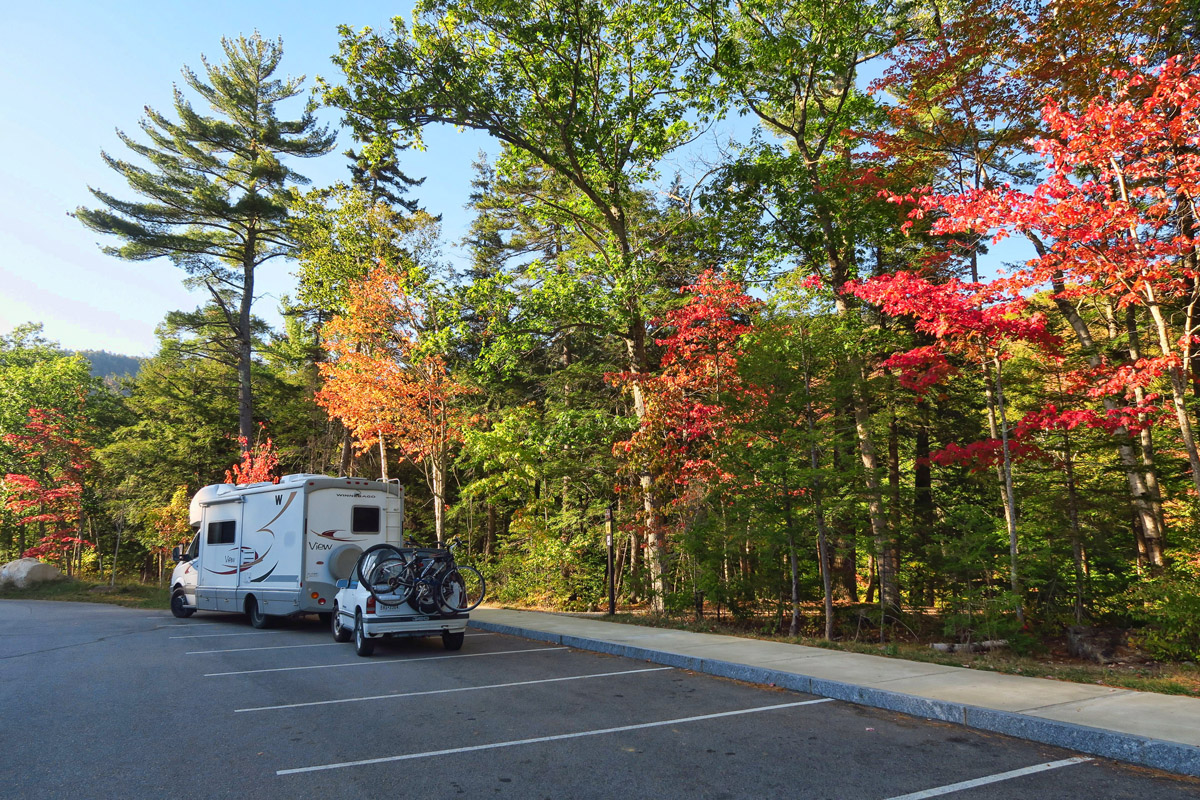 First signs of color along New Hampshire's Kancamagus Scenic Byway