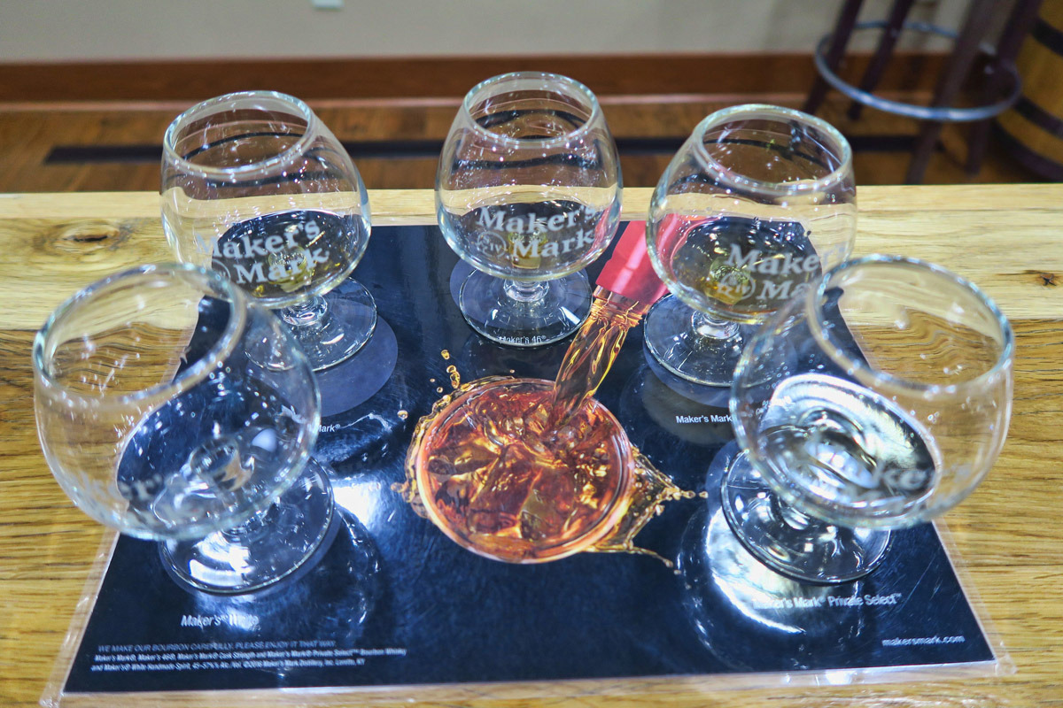 Maker's Mark tasting set-up, starting with the Maker's White clear distillate, all the way round to the Private Select.