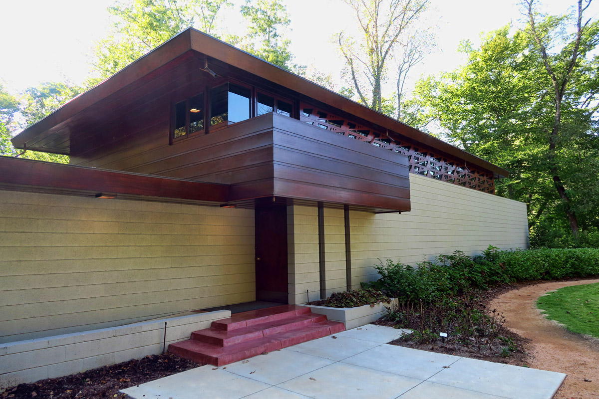 On the museum grounds is also Frank Lloyd Wright's Bachman-Wilson House, built near the Millstone River in New Jersey.