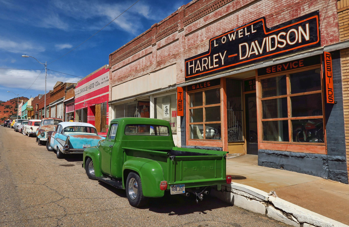 Lowell is famous for its main street lined with vintage automobiles. Harley Davidson riders always know where the best diners are, so just down the block is the Bisbee Breakfast Company.