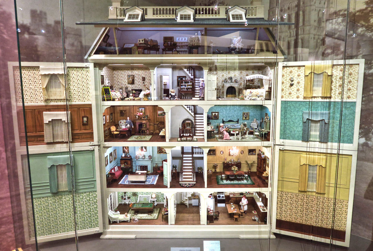 The museum founder, Pat Arnell lived in London as a child on Regent St. In 1981, she commissioned a replica of her childhood home to be built.