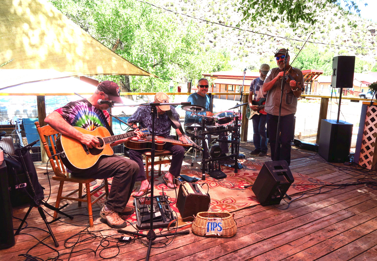 The band during my visit played great music from my day -- Neil Young, James Taylor and even a couple of slow Hendrix tunes.